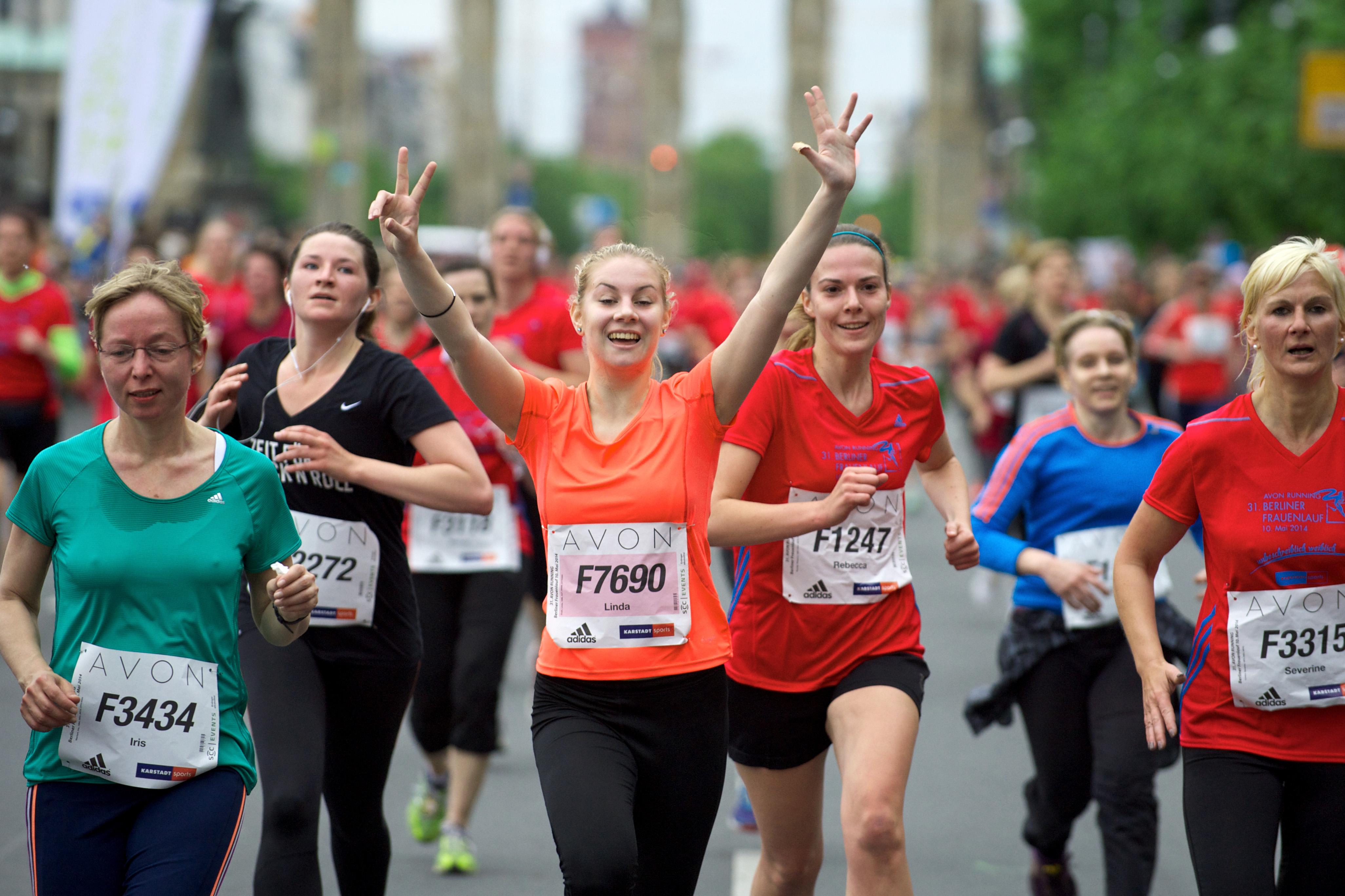 Leichathletik   Berlin                                           10.05.2014 AVON Running 31 Berliner Frauenlauf Foto Camera 4